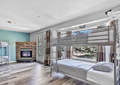 Dorm room in Samesun Banff budget hostel