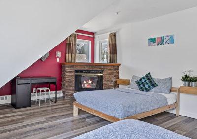 Twin room in Samesun Banff